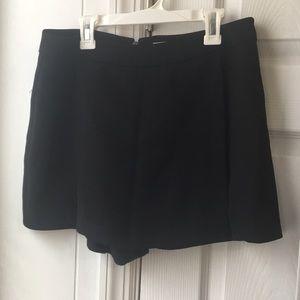 black skirt shorts (skort, shorts with overlay)